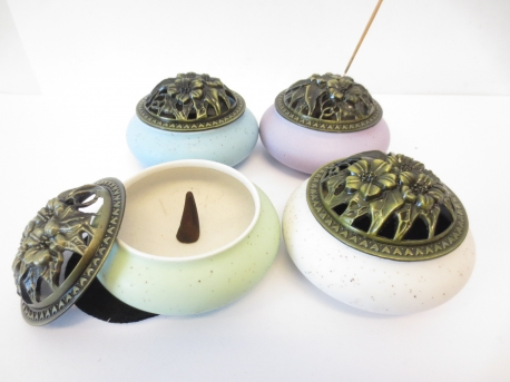 incense/conesburner with flowers set of 4