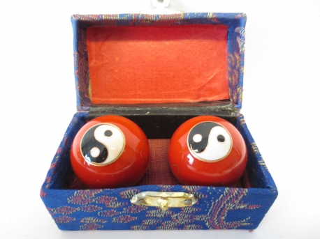 Massage balls red with Yin Yang 4.5cm