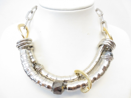 2 lines and one bead metal necklace