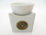 Oil burner with lucky coin white