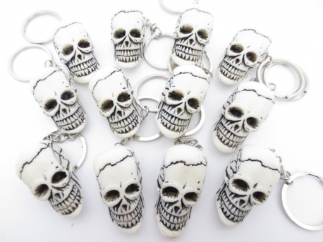 Skull key ring white (12)