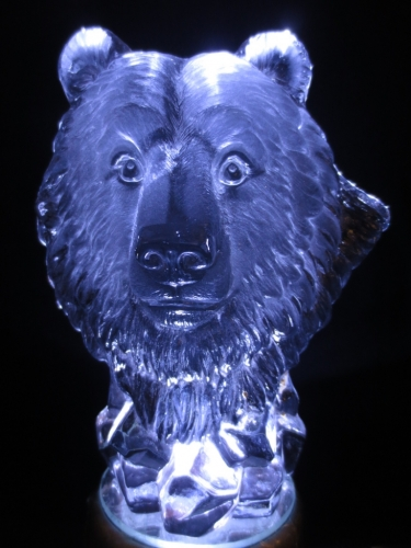 Crystal statue Bear