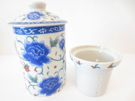 White mug with blue Flowers II