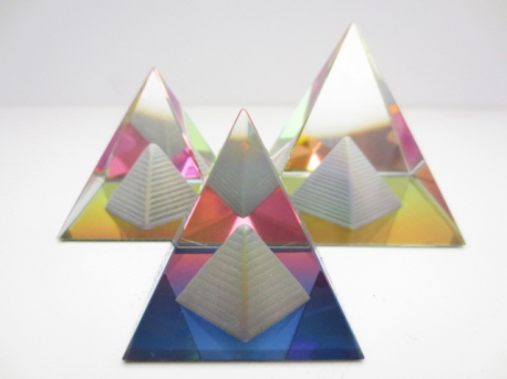 Crystal pyramide in pyramide colored 6x6