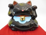 Lucky cat black zwarth bell on red pillow C