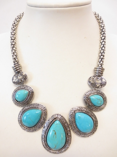 Turquoise necklace & earring set H