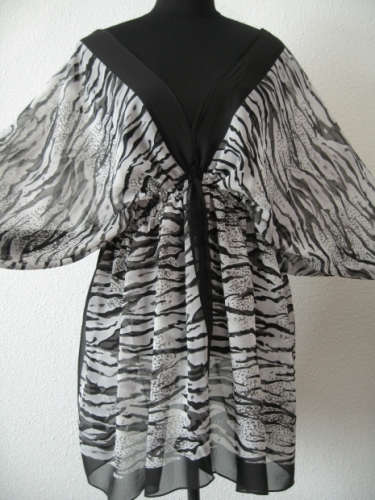 Blouse with zebra print