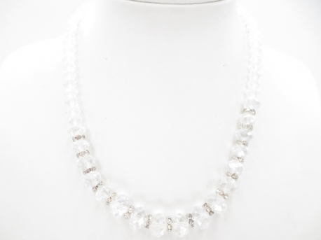 Crystal necklace with diamonds white