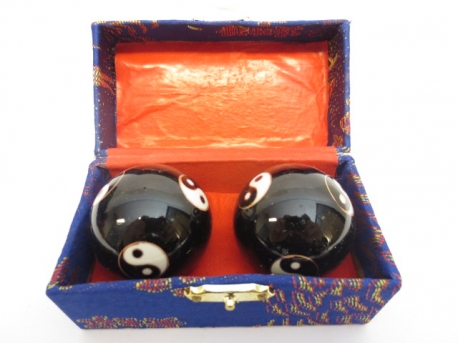 Massage balls black with Yin Yang