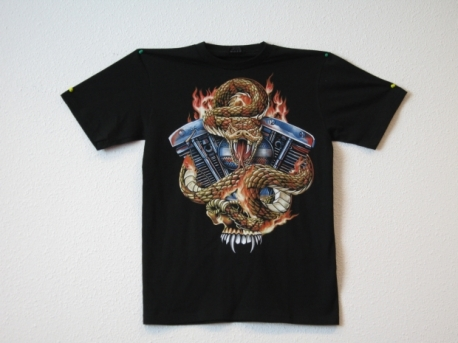T-shirt snake with engine