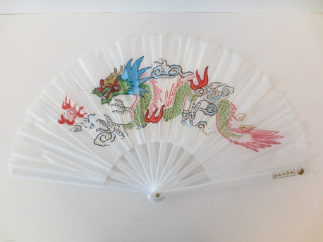 Chinese fan white with dragon